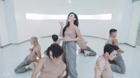 韩国性感美女的一首《Maria》