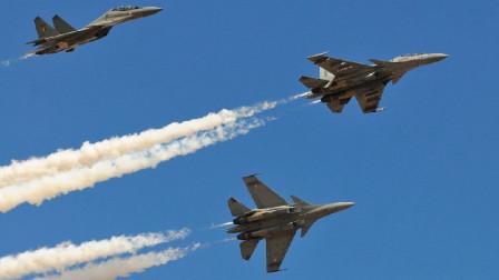 印度北部突然出现,12架重型战机低空掠过:印度苏30战机快速升空