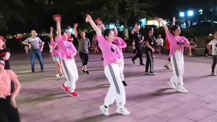 达州心随舞动曳步舞,DJ舞《大眼睛》,仙鹤广场