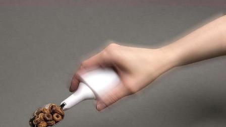 国外发明最稳的勺子,怎么抖菜都不会掉,真是食堂阿姨的克星!