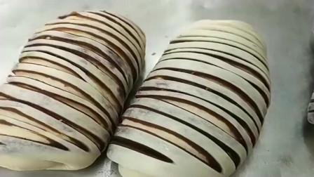 小伙现场制作豆沙面包,终于知道豆沙面包是怎么做的了!