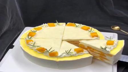 小伙从网上学的百色千层饼蛋糕,你们觉得这水平怎么样!