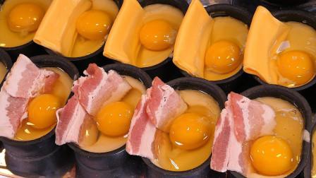 韩国街头小吃培根鸡蛋面包,每个只卖5块钱,顾客每天排队买!
