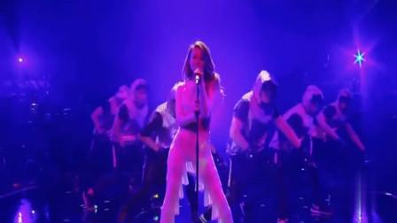 容祖儿现场唱跳,一首《Bad Boy》嗨爆全场,演唱会的即视感!