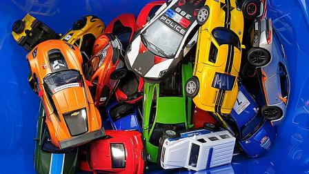 种压铸汽车的盒子被审查的玩具盒金斯马特,韦利斯,锡库玩具