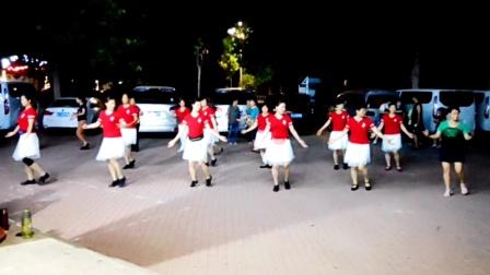 河北沧州女人花舞蹈队 2020最火广场舞 老歌新跳 欢快32步《达坂城的姑娘》