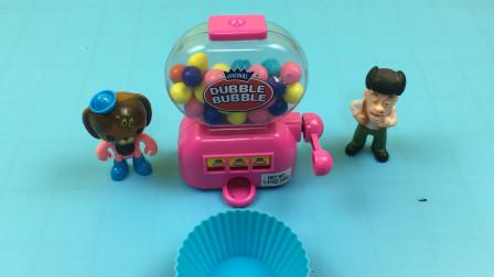海底小纵队和光头强玩糖果机