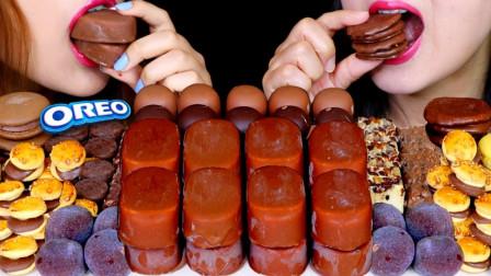 """韩国ASMR吃播:""""红毛丹冰淇淋+巧克力棉花糖+汉堡+麻糬+芝士蛋糕+巧克力派"""",听这咀嚼音,吃货姐妹花吃得真馋人"""