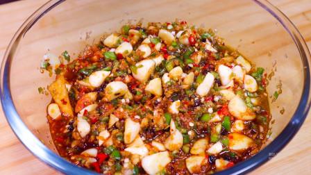大蒜别只当配菜了,学会这种腌制方法,香辣下饭,配啥都好吃!