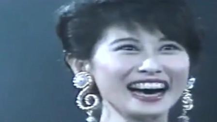 叶倩文、李茂山合唱经典歌曲《无言的结局》,叶倩文抑不住的开心!