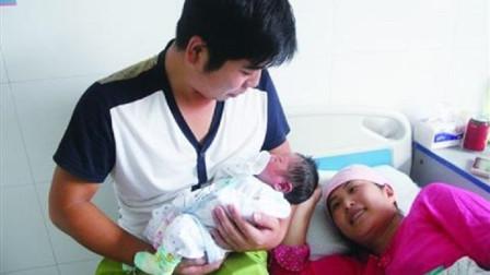 """宝爸给女儿取名""""念苏"""",自我得意中,不料宝妈反怼:看看你姓啥"""