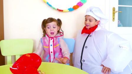 国外少儿时尚,小萝莉和厨师做水果蛋糕花,真奇怪呢