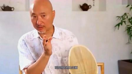 同是春晚的老牌笑星,65岁的陈佩斯生活幸福,而他遗憾因病逝世