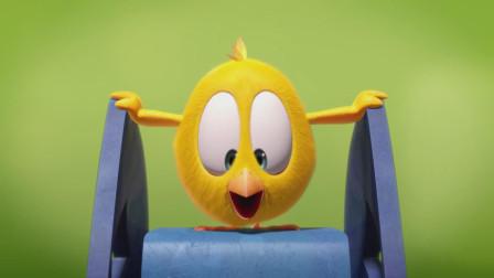 小鸡Jaki在哪儿:小鸡发现新玩具,开心的不得了,好像新式蹦蹦床