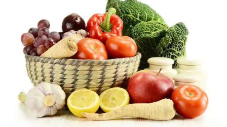 """高血压多是""""吃""""出来的,不想血压增高,这2菜1汤要远离"""