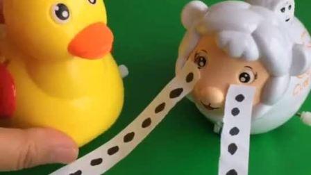 羊妈妈找不到自己宝宝了,大家都没有看见,小朋友们看见了吗