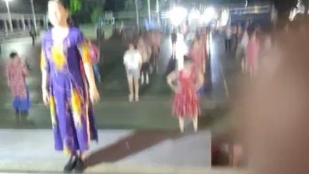 广场舞《越南恰恰》完整版