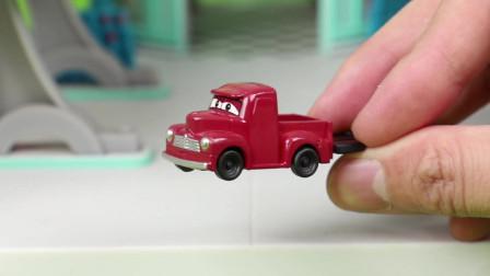 赛车总动员麦大师的组装扭蛋玩具分享