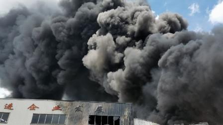 福建龙岩卓越新能源公司火灾救援情况 :2人受伤1人失联