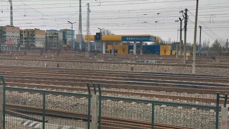太局湖段韶四6147牵引大列快速通过平旺站去往口泉方向