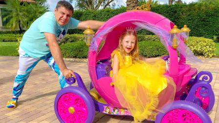 萌宝玩具故事:咋回事?爸爸为何推着小萝莉的公主车?