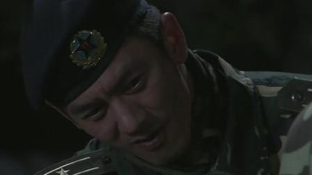 我是特种兵:灰狼让菜鸟兵俯卧撑,让队友在一旁烤烧鸡,想慢慢折磨他们