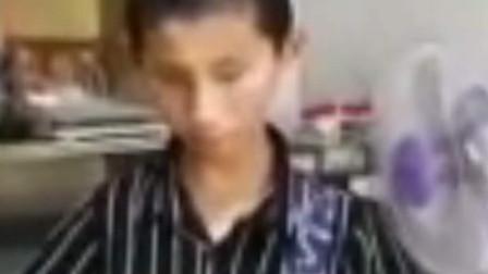 散落人间的折翼天使!13岁盲童自学乐器吹拉弹唱154首歌曲!网友:有梦想的人最了不起