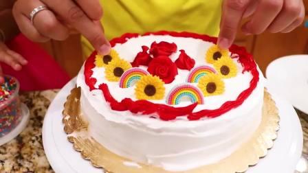 国外儿童时尚,小萝莉和妹妹做蛋糕,真是好孩子