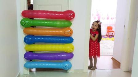 国外儿童时尚,气球挡住了门,作用真是大