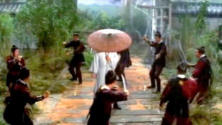 49年前老电影《六刺客》:大师级别的武侠片,伞一转水滴就是武器