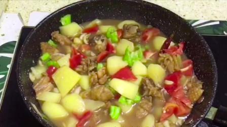 鸡肉炖土豆的家常做法,简单易学营养丰富,配上米饭吃超级下饭!