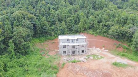 广西农村四兄弟回老家建别墅,造价百万,这房子地理位置风水好!