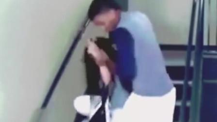 监控:视频记录女子被家暴全程!网友表示真的是气人!