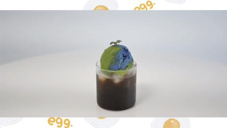自制地球冰淇淋-抹茶和香草冰淇淋