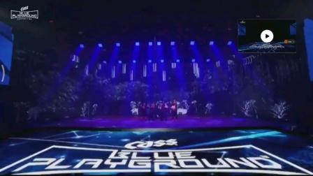 今晚CASS演唱会上,孝渊带来《DESSERT》(feat. Loopy)精彩舞台,克里斯马爆棚的姐姐,歌曲太好听啦~