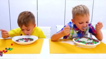 国外儿童时尚,尼基兄弟吃巧克力豆,玩的超开心