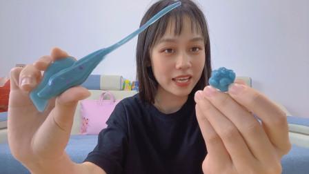 DIY滴胶脱模:古风簪子VS猫咪爪吊坠,你更喜欢哪个呢?