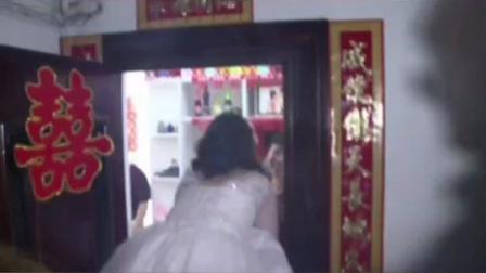 喜欢女乘客司机小伙加微信,3年后两人#结婚 用#公交当婚车。 #重庆 #公交司机 #祝福 #有情人终成眷属