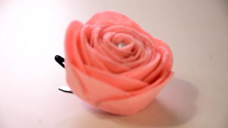 怎么用一张彩色纸,折玫瑰花