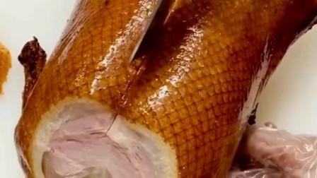 什么外酥里嫩的代表食物,烤鸭称第一没人称第二,看着就咽口水!