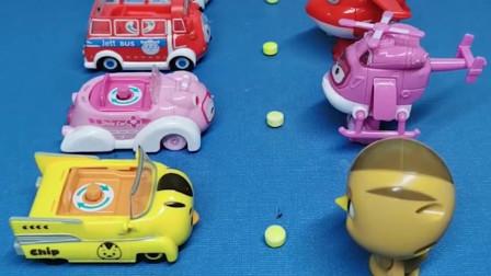 给大家发小汽车了,超级飞侠分到了小汽车,大宇也分到了小汽车!
