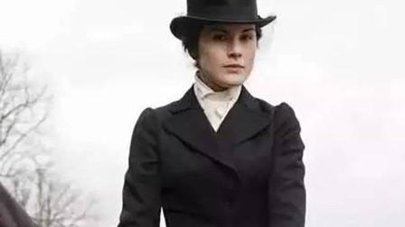 唐顿庄园中,玛丽的这次动心,不仅毁了她的清白,也毁了她的名誉,给她的人生留下了拭不去的污点