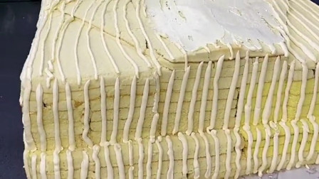 用奶油蛋糕做劳斯莱斯,感觉还真有那种风格!