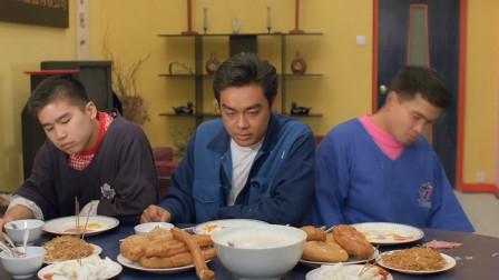 影帝刘青云吃香港特色早餐,油条加上油饼,太香了!