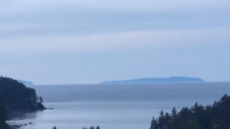 美国阿拉斯加州发生7.8级地震 触发海啸预警:岸边可见巨浪