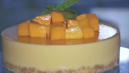 芒果慕斯蛋糕,淡黄的芒果,蓬松的慕斯底,好看又好吃!