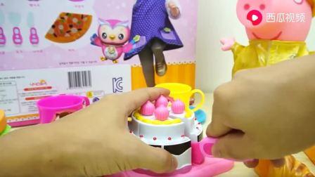 来切生日蛋糕给小猪佩奇吃吧(1)