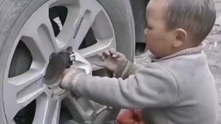 史上最年轻的汽车维修工,小师傅手法也太厉害了吧!