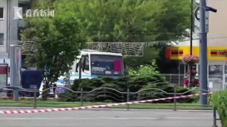 #乌克兰大巴劫匪,还要求#总统 说了这么一段话…… #乌克兰 #乌克兰发生公交劫持 #公交车 #劫匪