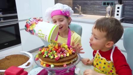 国外儿童时尚,小宝宝做蛋糕,快来看看吧